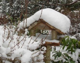 Snedækket fuglehus